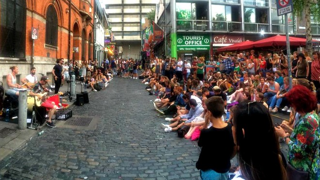 Live music in Temple Bar dublin ireland
