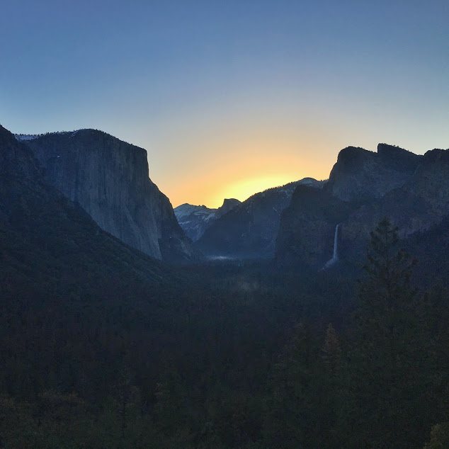 sunrise at tunnel view in yosemite national park